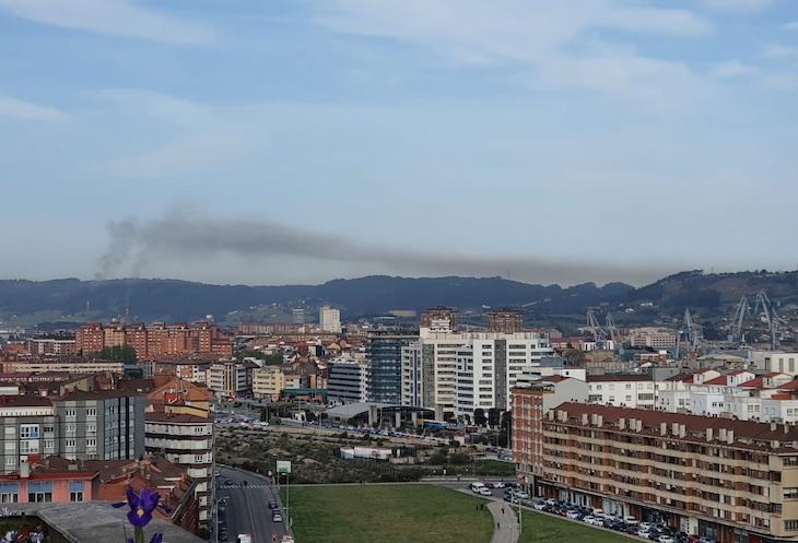 A la contaminación en Gijón no la detiene ni la lluvia