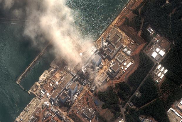 Tokio declara zona de exclusión aérea 30 kilómetros alrededor de la central nuclear dañada