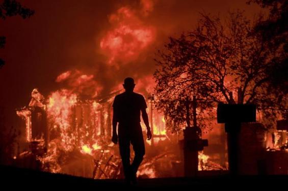 California: Los incendios ya dejaron 21 muertos y hay al menos 550 desaparecidos