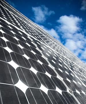 Empresas española de renovables interesadas en invertir en Macedonia