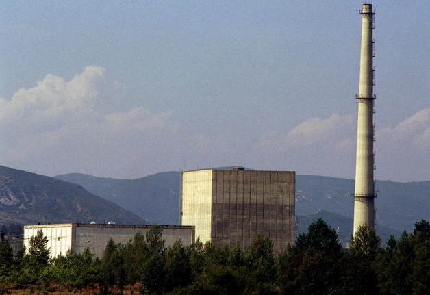 Navarra. El Parlamento de Navarra pide que no se prorrogue la vida de la central nuclear de Garoña