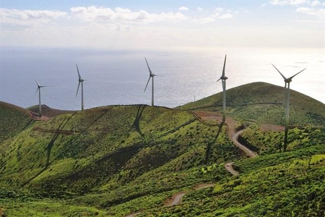 El Hierro logra abastecerse al 62% con energías renovables en junio