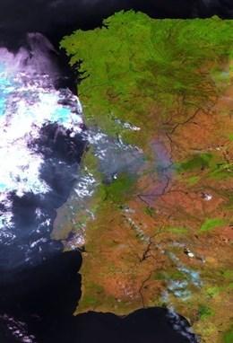 El minisatélite Proba-V de la ESA identifica los puntos activos en el fuego de Portugal