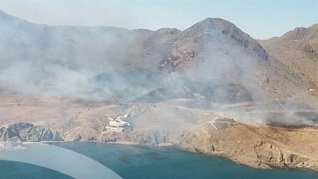 Infoca continúa los trabajos para extinguir el incendio en el parque natural de Cabo de Gata-Níjar