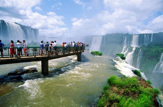 Argentina: Las Cataratas del Iguazú mejorarán su infraestructura