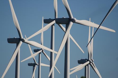 Las energías renovables cubrieron el 38,7% del consumo eléctrico en abril