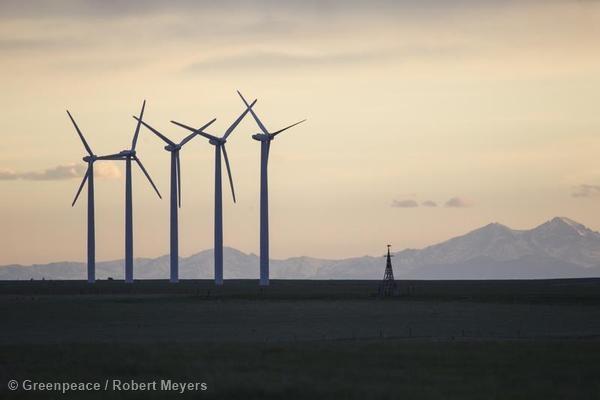 La factura de luz,  siempre más barata con energías renovables
