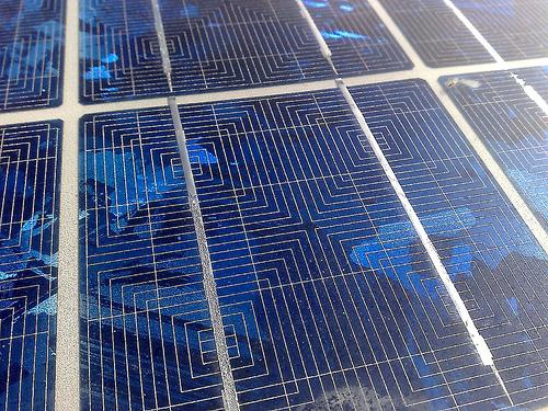 Soria estudiará un régimen específico para Extremadura respecto a las primas de producción de energía renovables