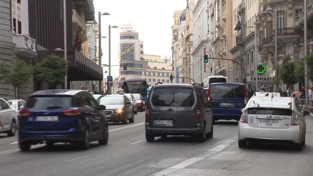 Ayuntamiento de Madrid limita el tráfico en Gran Vía desde 1 de diciembre y prohíbe camiones hasta el 7 de enero