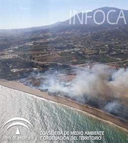 Controlado el incendio declarado en el paraje río Velerín de Estepona