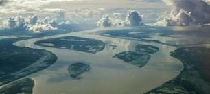 Cientos de presas hidroeléctricas amenazan el Amazonas