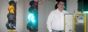 Semáforos inalámbricos, solares y sincronizados