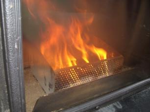 Quemador de pellets casero para estufa de le a un blog - Como adaptar una estufa de lena a pellets ...