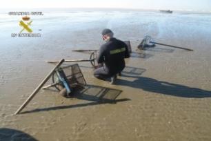 Medio Ambiente pone en marcha un plan de inspecciones para controlar el marisqueo ilegal de especies protegidas