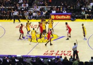 306_kxli_los-partidos-de-baloncesto-imitan-a-la-naturaleza_image_380