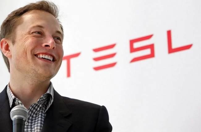Elon Musk invertirá 17,3 millones de euros en acciones de Tesla
