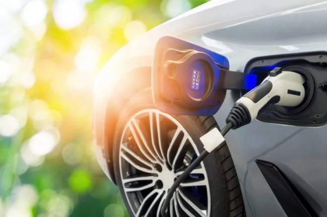 España en el 'pelotón de los torpes' de Europa en cuanto a puntos de recarga de coches eléctricos