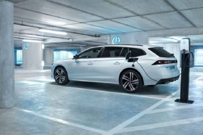 Peugeot anuncia una nueva gama de vehículos deportivos electrificados a partir de 2020