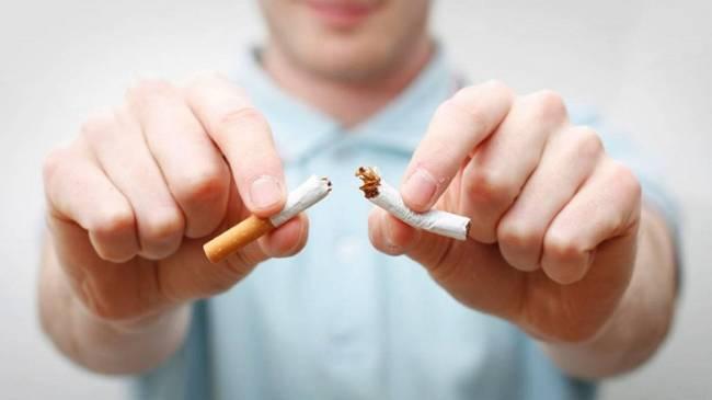 El estado debería financiar los tratamientos para dejar de fumar y aumentar sustancialmente el precio del tabaco