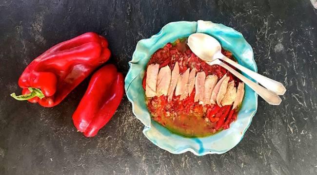 Pimientos rojos asados con atún