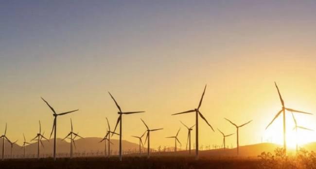 Acciona 'fusiona' dos renovables al instalar paneles fotovoltaicos en torres eólicas