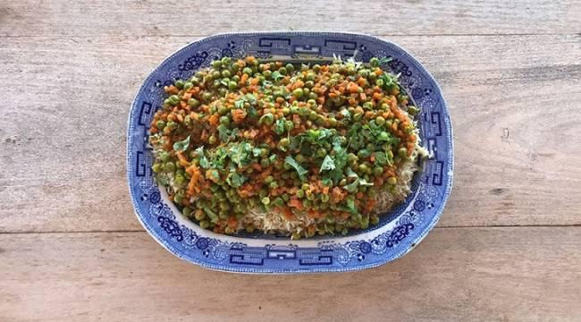 Guisantes con arroz al curry