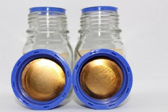 Tecnología verde, aplican un bioplástico obtenido de la piel del tomate para recubrir el interior de latas de bebidas y conservas