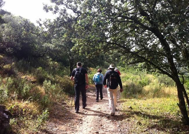 La Diputación de Sevilla edita un nuevo mapa de senderos en la sierra noroccidental-Corredor de la Plata