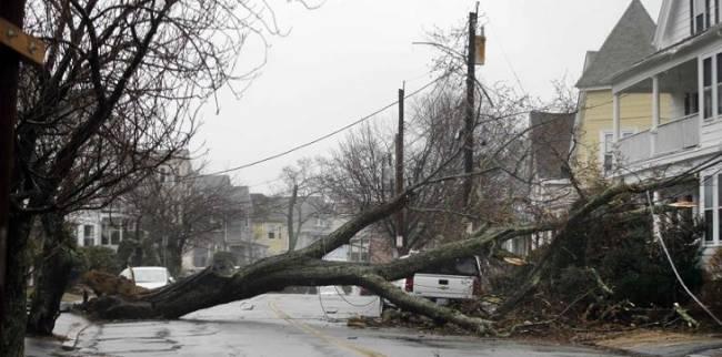 Al menos dos muertos por las tormentas y los fuertes vientos en el noreste de EEUU