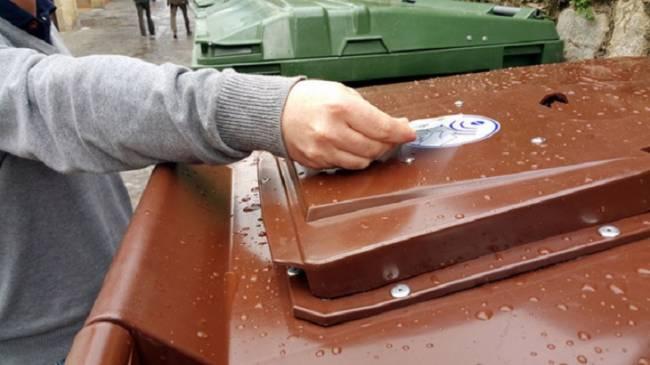 El Ayuntamiento inicia en Sevilla Este la implantación de la recogida selectiva de biorresiduos de hogares