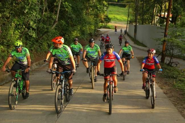 La oferta cicloturística valenciana se promociona en la principal feria del sector en Bélgica