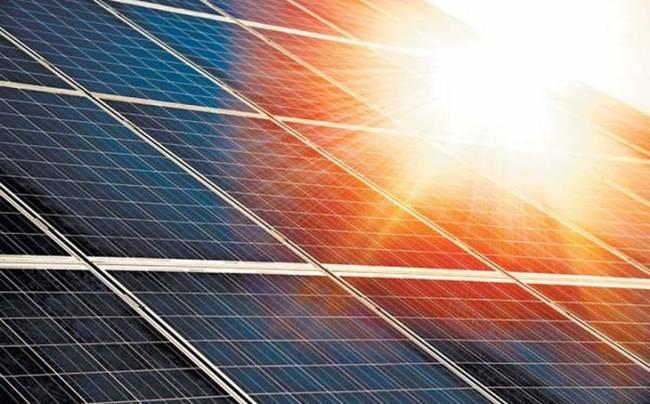 Repsol cierra con Solaria un 'PPA' de 52 MW para comercializar electricidad 100% renovable