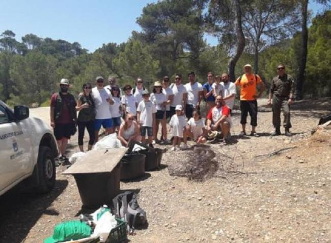 Recogen 47,6 kilos de residuos en el Caló d'en Monjo en Calvià
