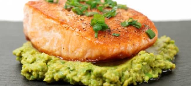 Receta Ecológica recomendada por ECOticias.com: Delicioso Salmón al vapor con puré de verduras