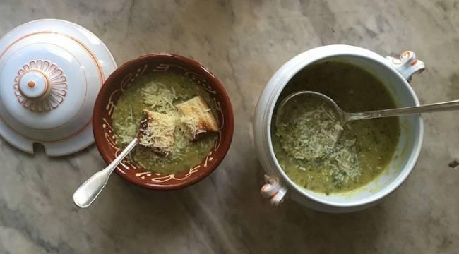 Receta Ecológica recomendada por ECOticias.com: Caldo de garbanzos y kale al limón