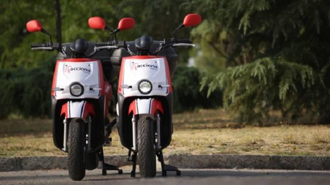 Acciona lanza su servicio de moto eléctrica compartida en Madrid