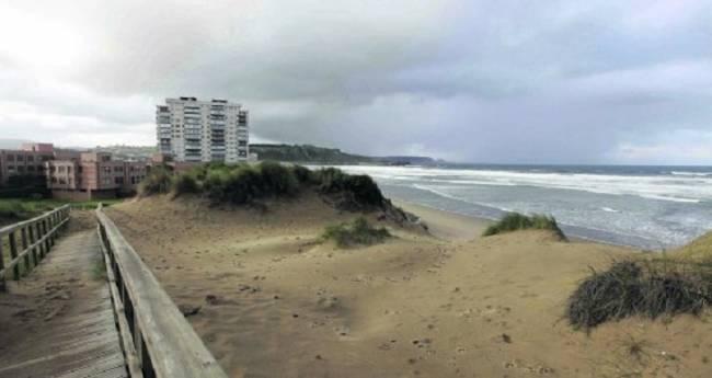 Asturias. No se puede permitir construir mas en las dunas del Espartal en Castrillón