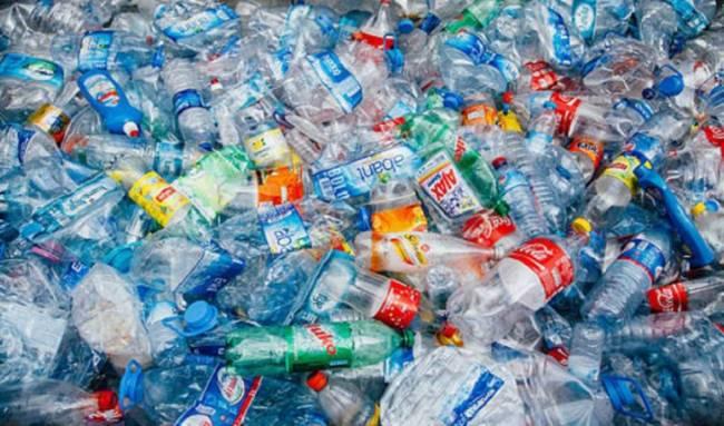 Canadá prohibirá los plásticos no reutilizables a partir de 2021