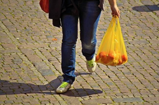 Panamá, primer país centroamericano en prohibir la entrega de bolsas plásticas en los comercios