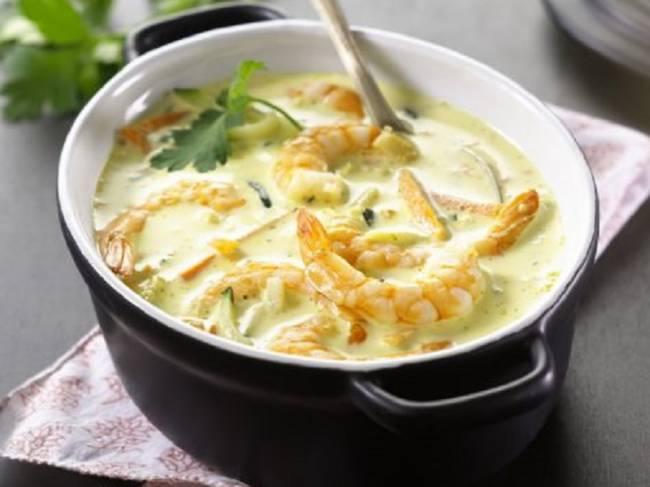 Gambas al curry con verduras crujientes