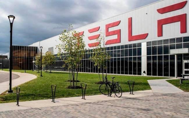 Tesla producirá también en Alemania las baterías para los vehículos que ensamble en Berlín